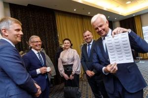 TALLINNA KAUBAMAJA GRUPI AKTSIONÄRID KINNITASID DIVIDENDIKS 71 SENTI